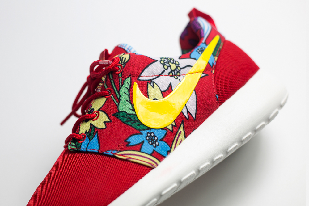 nike-roshe-run-aloha-red-pack-wmns